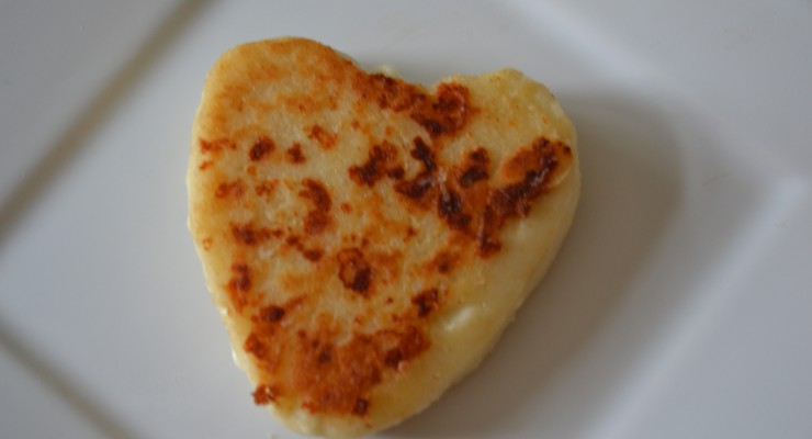 Arepa heart on a plate